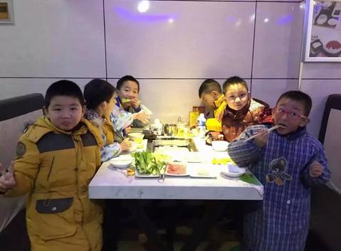 【广电小记者】 品尝韩式烤肉 领略韩国文化